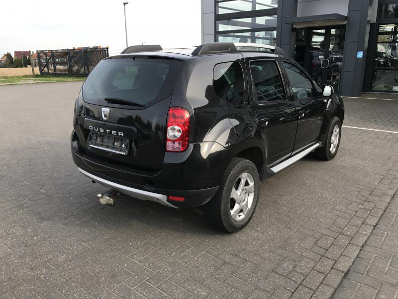 dacia duster laur ate pack look 1 6 105cv 60018 km. Black Bedroom Furniture Sets. Home Design Ideas