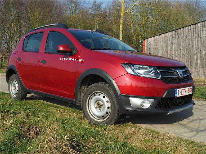 dacia sandero ii stepway prestige tce 90 47247 km. Black Bedroom Furniture Sets. Home Design Ideas