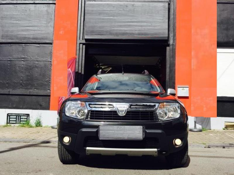 dacia duster laureate pack look 1 5 dci 110cv 4x2 64200 km. Black Bedroom Furniture Sets. Home Design Ideas