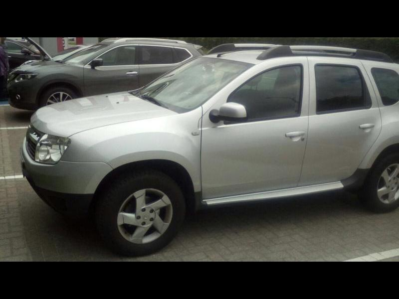 dacia duster laur ate pack look 1 5 dci 90cv 4x2 95100 km. Black Bedroom Furniture Sets. Home Design Ideas