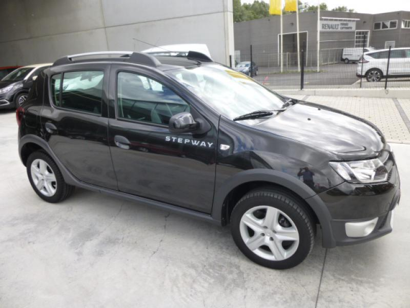 dacia sandero ii stepway prestige plus tce 90cv 45807 km. Black Bedroom Furniture Sets. Home Design Ideas