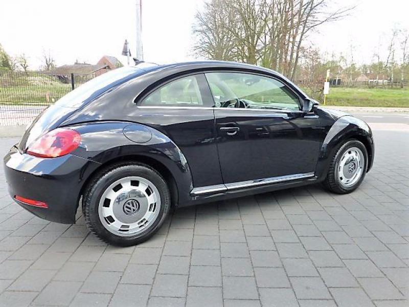 volkswagen beetle coccinelle design 1 6 cr tdi 105cv 54350 km. Black Bedroom Furniture Sets. Home Design Ideas