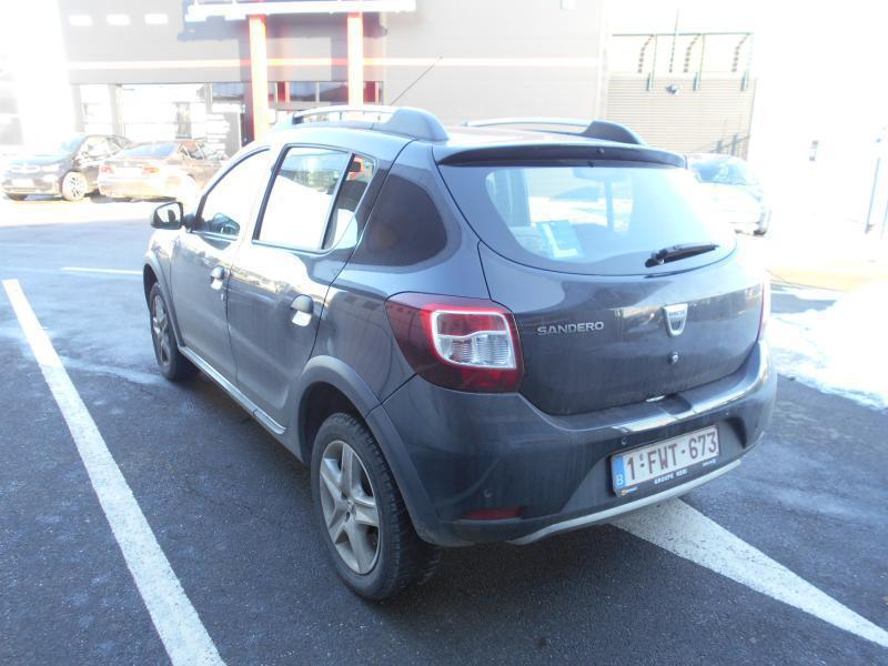 dacia sandero 2 stepway prestige tce 90cv 47768 km. Black Bedroom Furniture Sets. Home Design Ideas
