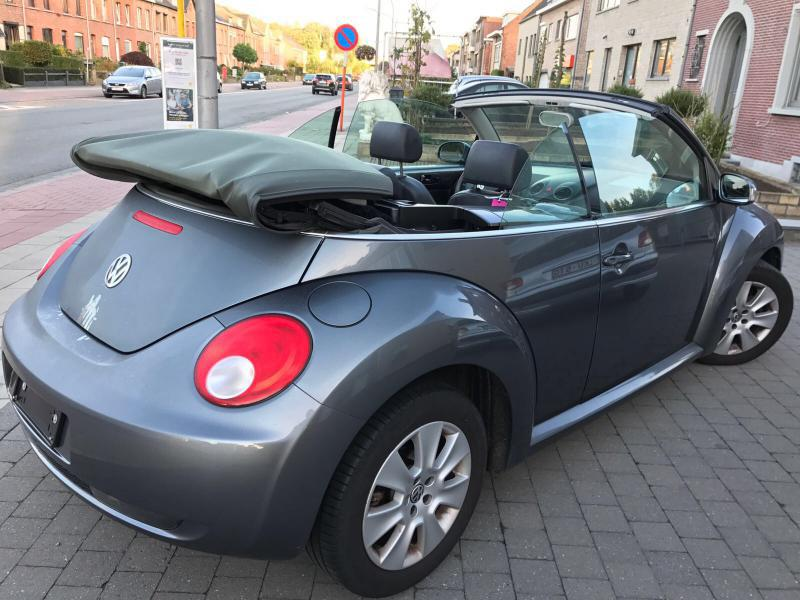 volkswagen beetle coccinelle cabriolet 1 9 tdi 105 132001 km. Black Bedroom Furniture Sets. Home Design Ideas