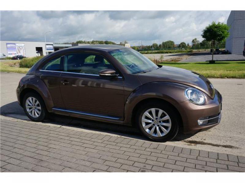 volkswagen beetle coccinelle design 1 6 cr tdi 105 48542 km. Black Bedroom Furniture Sets. Home Design Ideas