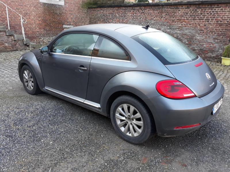 volkswagen beetle ii coccinelle design 1 6 tdi 105 77200 km. Black Bedroom Furniture Sets. Home Design Ideas