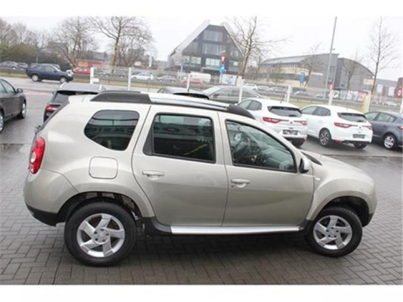 dacia duster i laureate pack look 1 5 dci 90cv 4x2 72845 km. Black Bedroom Furniture Sets. Home Design Ideas