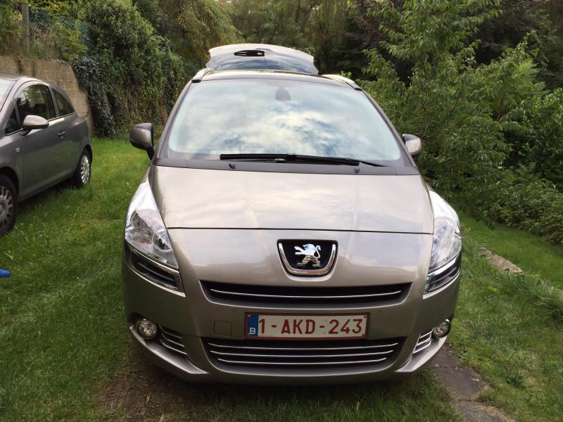 peugeot 5008 allure hdi 115 7 places 59900 km. Black Bedroom Furniture Sets. Home Design Ideas