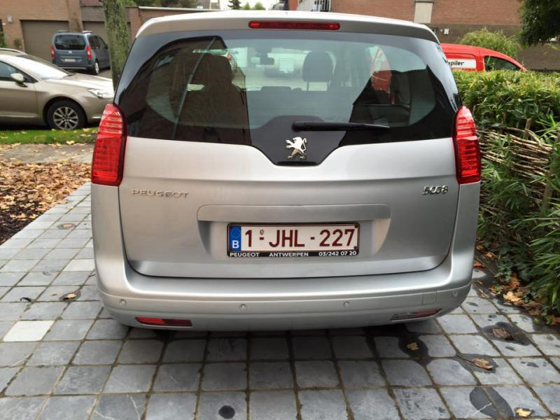 peugeot 5008 active hdi 115cv 7 places 30100 km. Black Bedroom Furniture Sets. Home Design Ideas