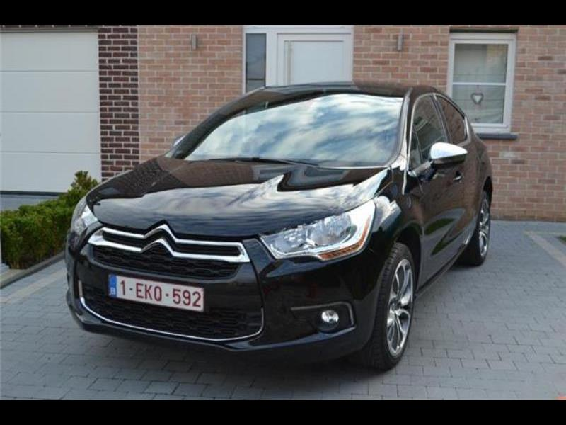 citroen ds4 so chic e hdi 115 51240 km. Black Bedroom Furniture Sets. Home Design Ideas