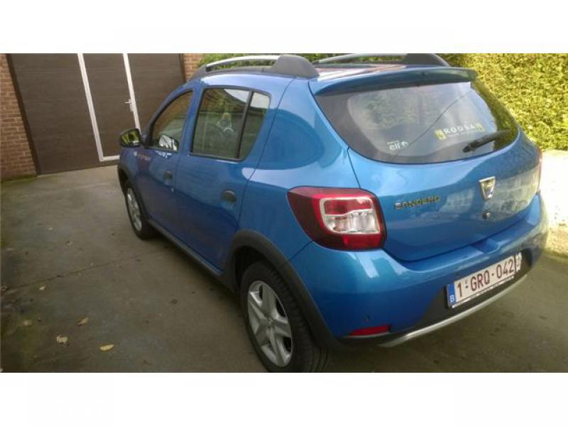 dacia sandero stepway plus tce 90cv 48600 km. Black Bedroom Furniture Sets. Home Design Ideas