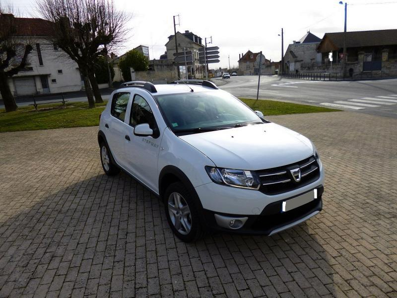 dacia sandero stepway prestige tce 90cv 47150 km. Black Bedroom Furniture Sets. Home Design Ideas