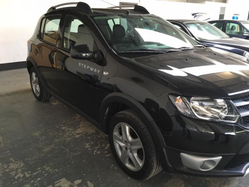 dacia sandero stepway prestige tce 90cv 56312 km. Black Bedroom Furniture Sets. Home Design Ideas