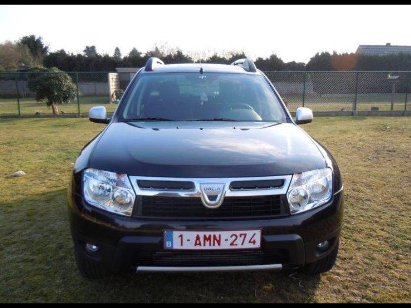 dacia duster laur ate pack look 1 5 dci110cv 4x2 56195 km. Black Bedroom Furniture Sets. Home Design Ideas