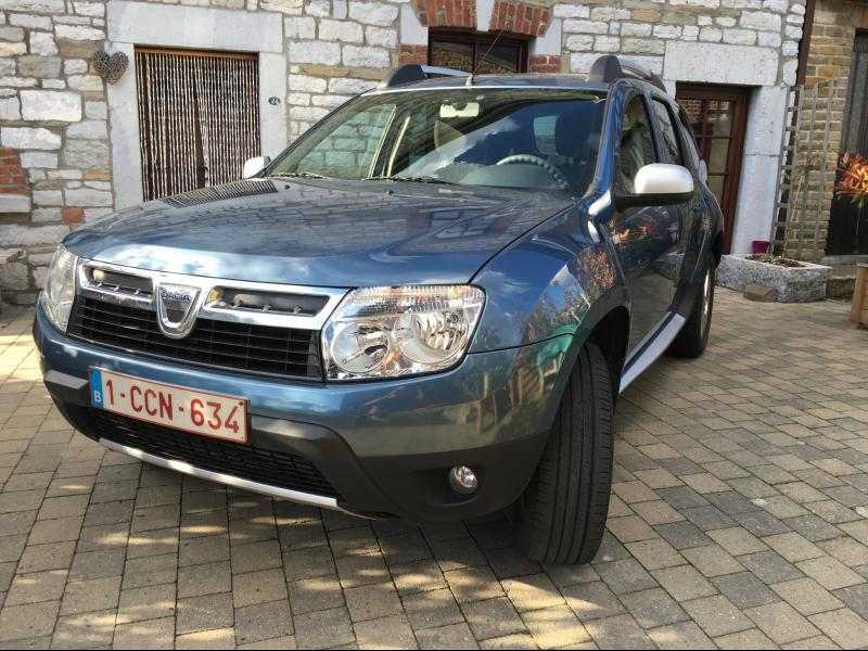 dacia duster laur ate pack look 1 5 dci110cv 4x2 73332 km. Black Bedroom Furniture Sets. Home Design Ideas