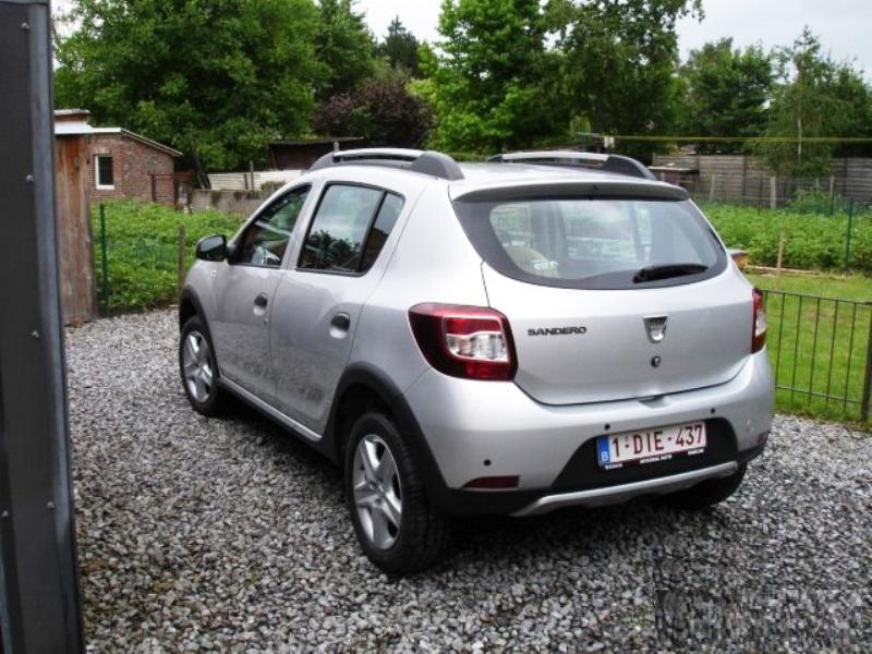dacia sandero stepway prestige tce 90cv 822 km. Black Bedroom Furniture Sets. Home Design Ideas