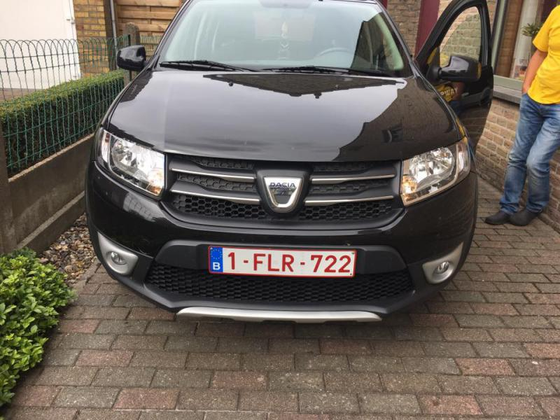 dacia sandero stepway prestige tce 90cv 23750 km. Black Bedroom Furniture Sets. Home Design Ideas