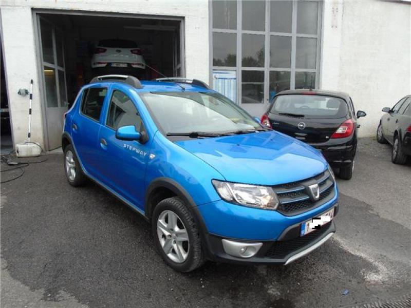 dacia sandero stepway prestige tce 90cv 52320 km. Black Bedroom Furniture Sets. Home Design Ideas